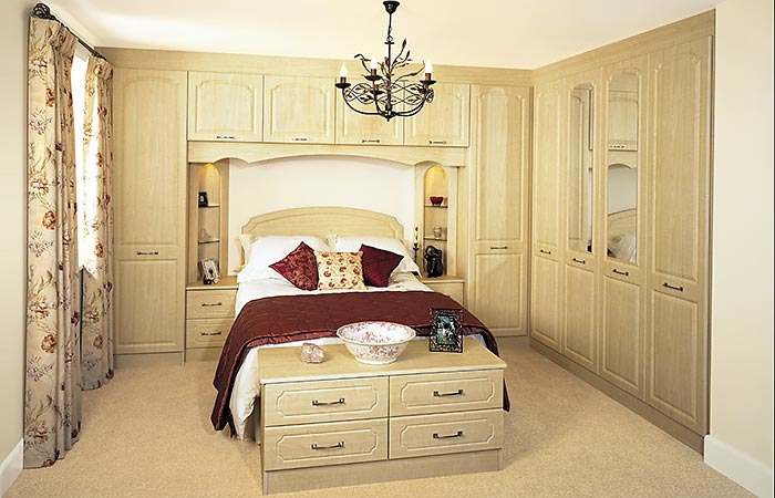 Ashford Maple fitted bedroom